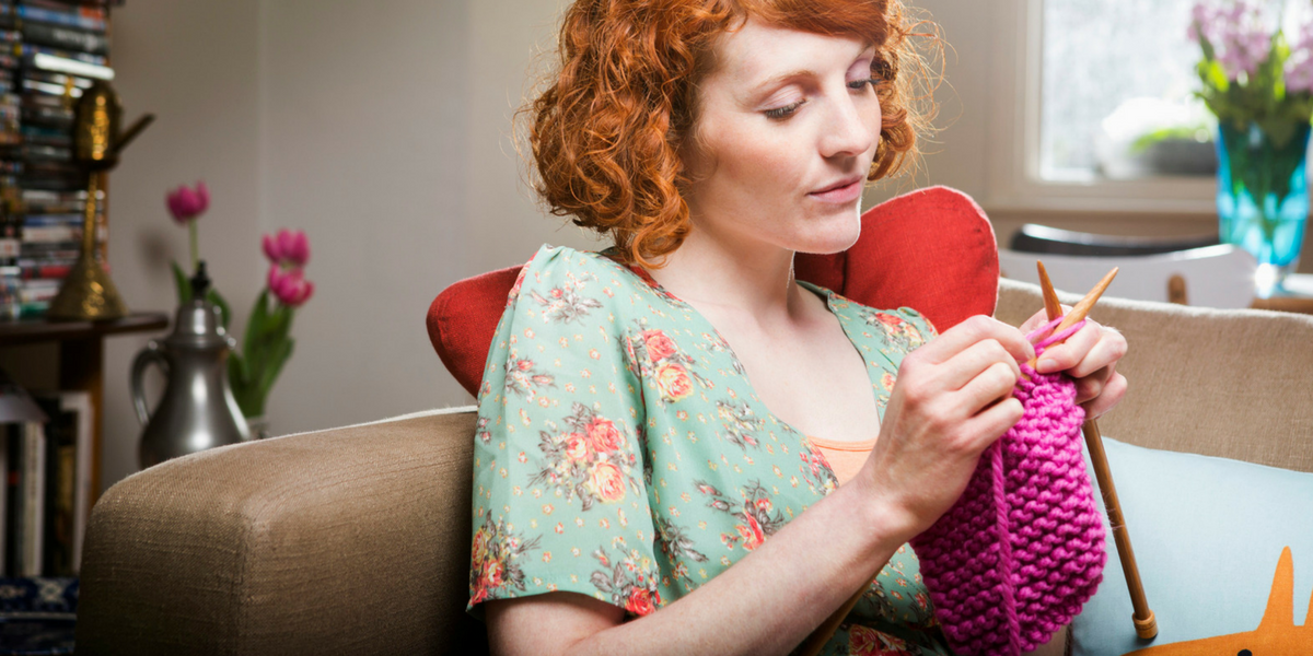 Knitting Women : Knit and crochet your way to a stress free day